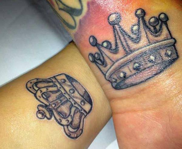 King and Queen Tattoos on the wrist makes couples look captivating