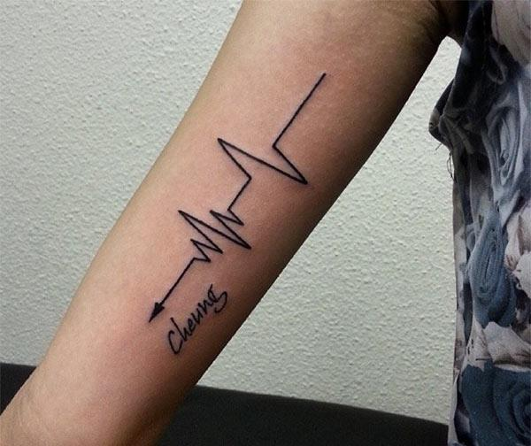 Heartbeat Tattoo on the upper arm make a man look cool