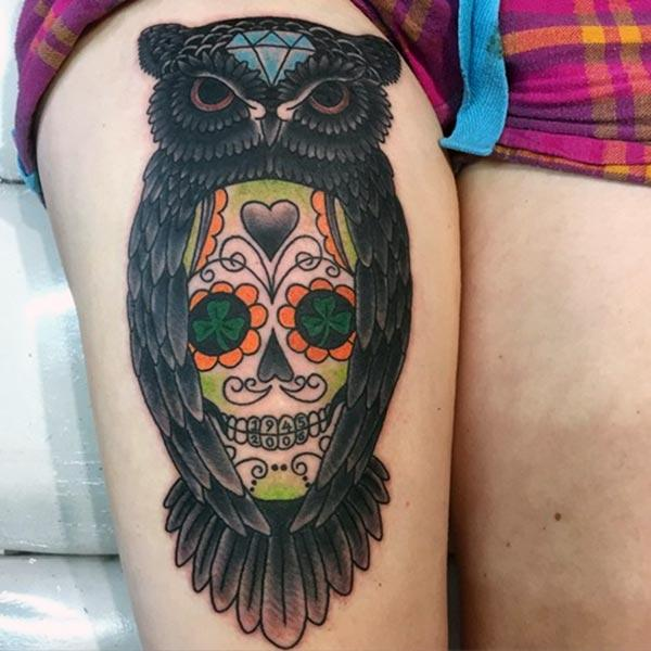 Owl Tattoo on the side thigh gives the girls look sexy and captivating