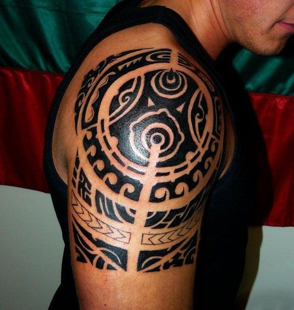 Samoan Tattoo on the arm bring the flashy look