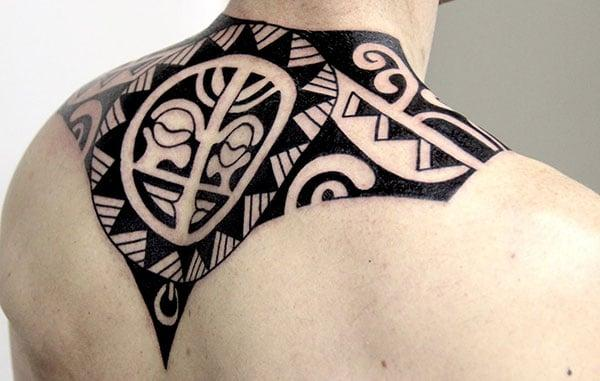 Samoan Tattoo on the neck overlapping to the back makes a man appear cool