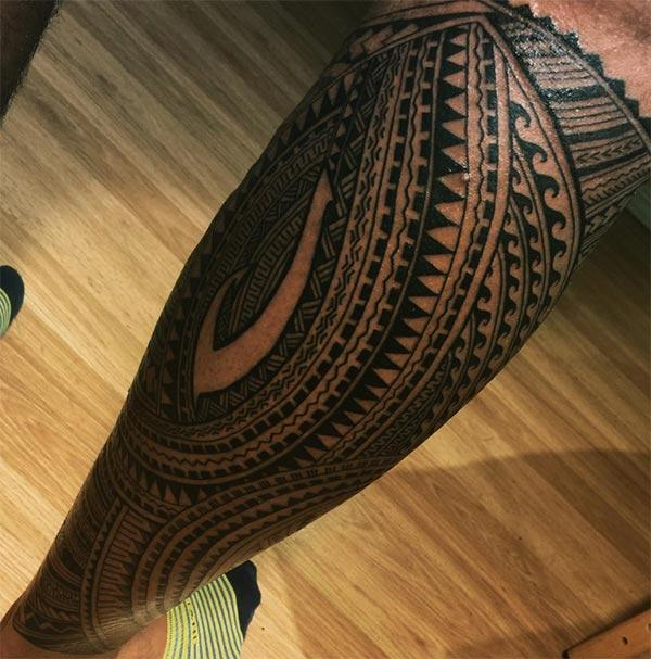 Samoan Tattoo on the foot brings the artful look
