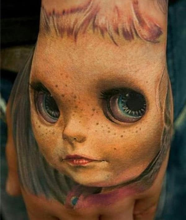 Amazing Tattoo on the hand brings the astonishing look