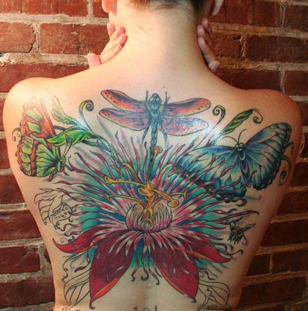 Amazing Tattoo on the back, make girls have splendid look