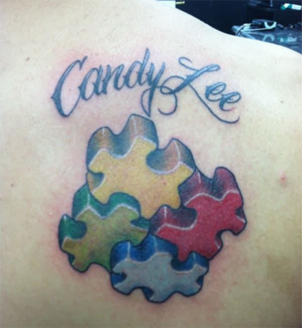 Autisme Tattoo med et navne design bringer et smukt udseende