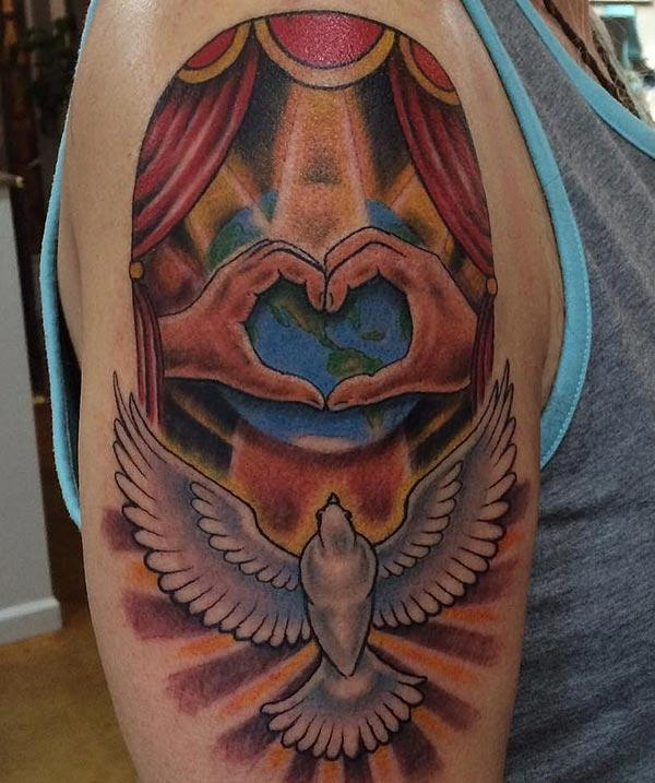 Awesome Tattoo για τις γυναίκες με καστανό σχεδιασμό μελανιού μελάνι τους κάνουν να φαίνονται αξιολάτρευτο