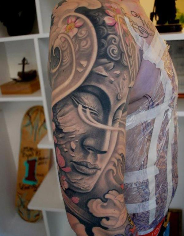 Buddha Tattoo on the shoulder brings the flashy and attractive look