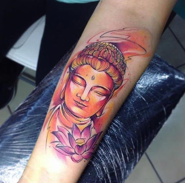 Buddha tattoo on the lower arm brings the astonishing look