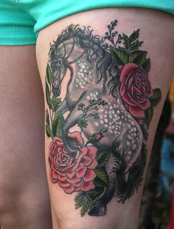 Horse tattoo on the side thigh gives the girls an attractive look