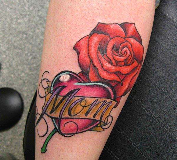 Mom tattoo on the back of the leg makes ladies look lovely.