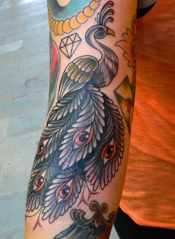 Peacock Tattoo for გოგონა შავი მელნის დიზაინი მოაქვს მათი ელეგანტური