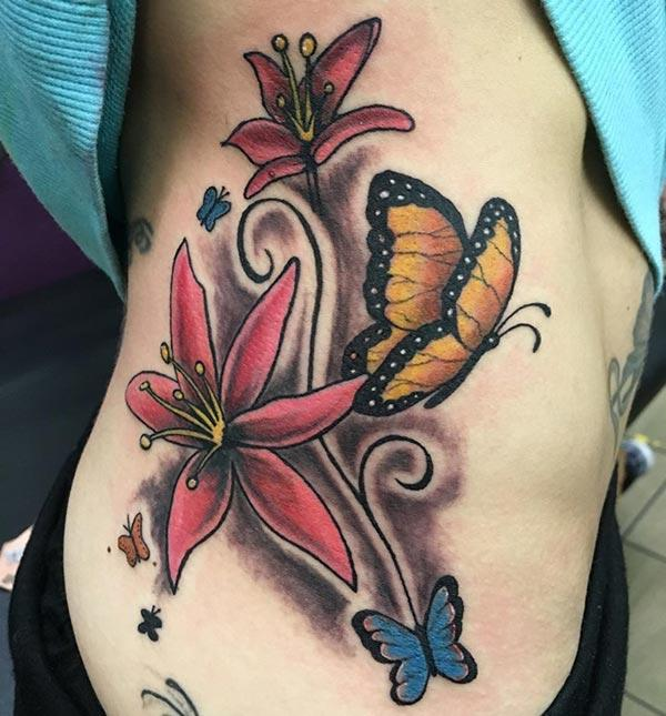 I-tattoo yangaphandle yamadoda ane-design inkinobho eyenza ukuba ibonakale emangalisayo