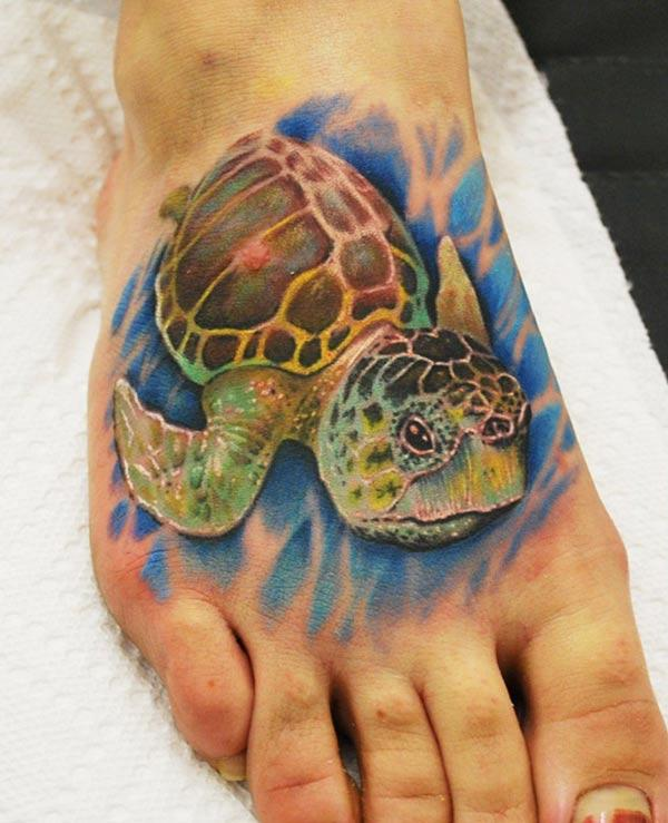 Makes a divine Turtle tattoo on foot to flaunt it