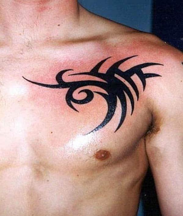 Υπέροχες έντονες μαύρες φυλές ιδέες τατουάζ στήθος για παιδιά