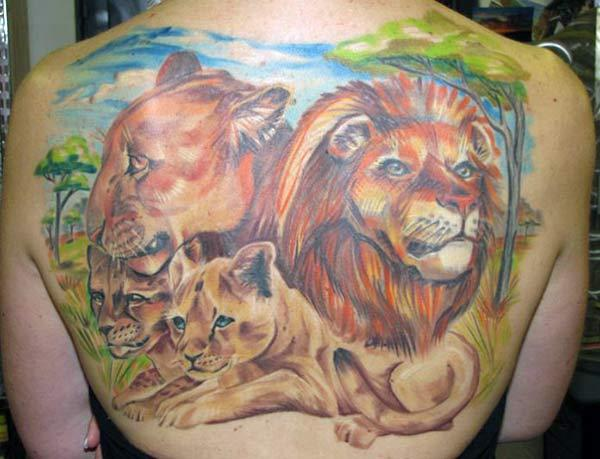 Lion Tattoo for Women on the back make women looks mesmeric