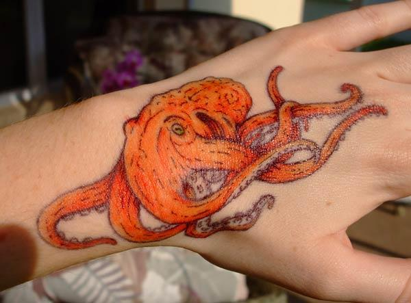 Octopus Tattoo on the wrist makes a girl look gallant