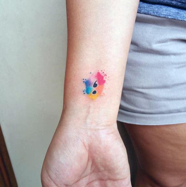 Dës helle Semikolon Tattoo Design Tënt fir d'Meedercher méi charismatesch ze maachen