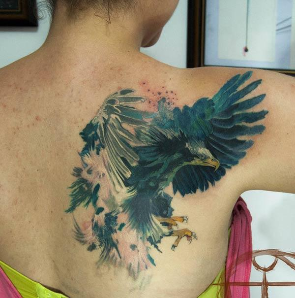 Girl's Cool magnificent flying eagle watercolor tattoo ink ideas on back shoulder