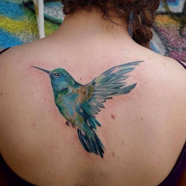 Elegante Waterverf vlieënde voël terug tattoo vir Vroulike voëlliefhebbers