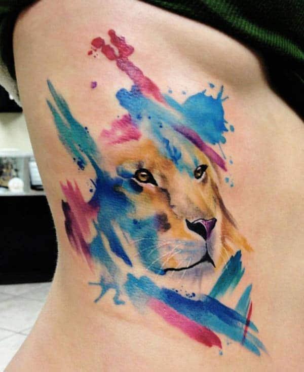Majestique gagasan singa samping watercolor tattoo glaring keur Wanoja