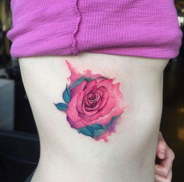 Привабливий нео-традиційний великий червоний троянди татуювання ідеї для жінок
