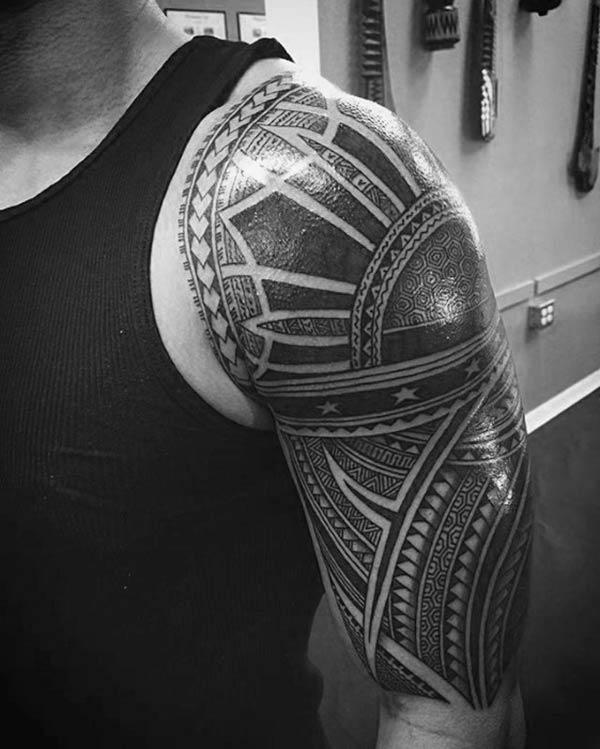 Magnificent Filipino Tribal Tattoo-ûntwerp op skouders foar Boys en manlju