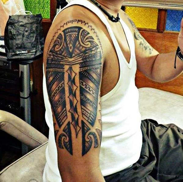 Marvelous Solid bold lines Filipino tribal tattoo ideas for Men on shoulder