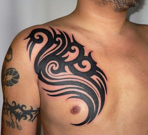 Captivating black curvy lines tribal chest tattoo designs para meninos e homens