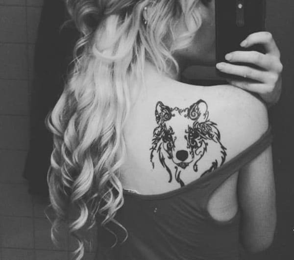 Beguiling fancy wolf face tattoo ideas on back shoulder for women