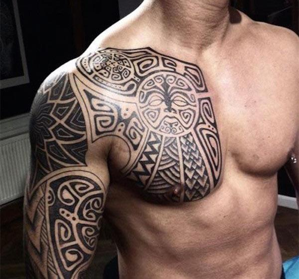 Aesthetic shoulder tribal tattoo design van Aztec voor jongens
