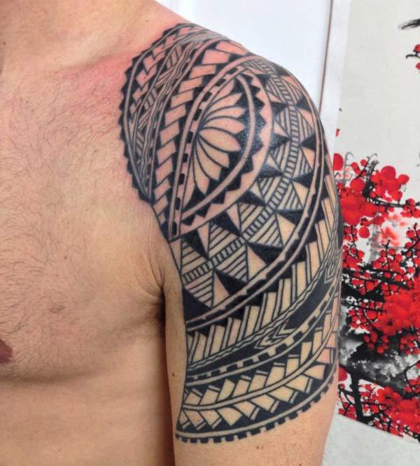 Impressive Hawaiian Tribal arm tattoo ideas for Guys