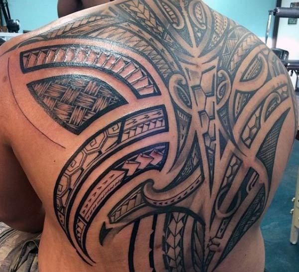 ಒ Tatuaje Pe Braț și Piept: Tatuaje Tribale Hawaiiene Pentru Bărbați
