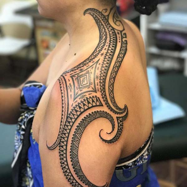 Astonishing Samoan tribal neck tattoo ideas for girls