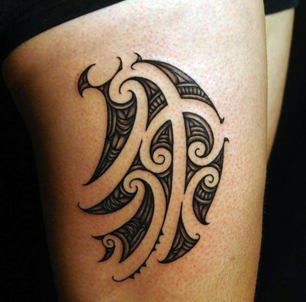 Elegant Samoan tribal thigh tattoo ideas for girls