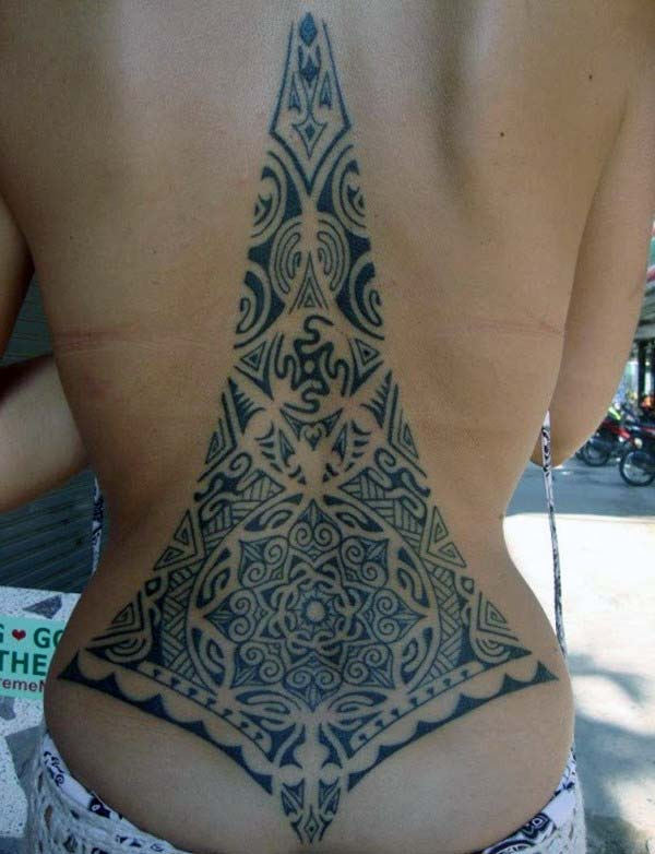 Magnificent intricate Samoan tribal back tattoo ideas for Women