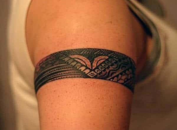 Замысловатые элегантные идеи татуировки племенных повязок для дам