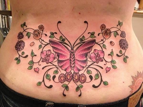 ການອອກແບບ tattoo butterfly ທີ່ຫນ້າປະທັບໃຈຢູ່ດ້ານລຸ່ມສໍາລັບເດັກຍິງ