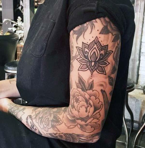 idées florales de tatouage bras magnifiques pour les filles et les femmes