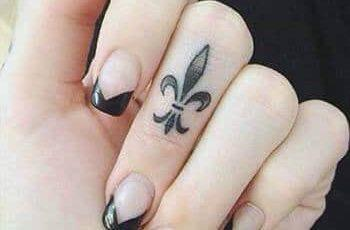Finger Tattoos Design for Women