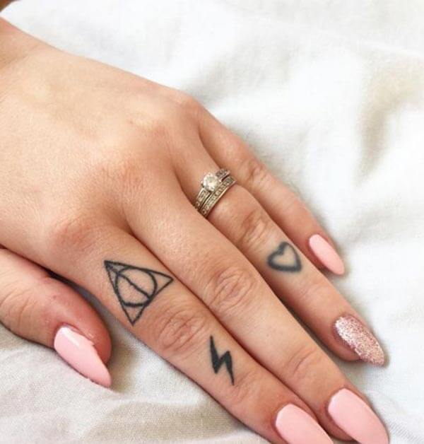 Adorable finger tattoo designs for ladies