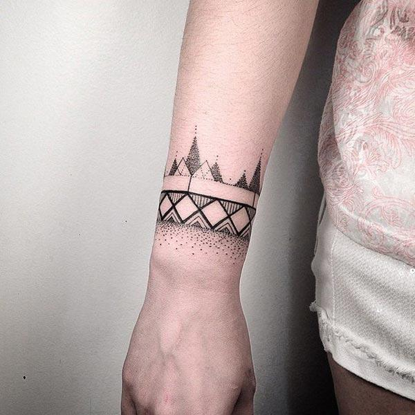 A captivating wrist tattoo design for women